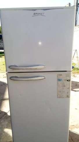 Vendo heladera con Freezer