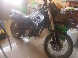 Vendo Moto motor 200