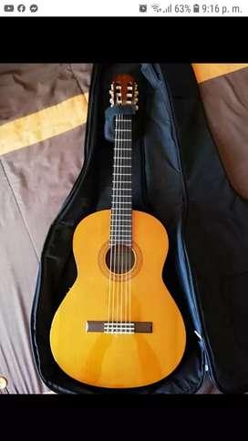 Guitarra electroacústica Yamaha cx40