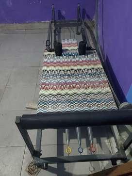 Vendo camilla de pilates plegable