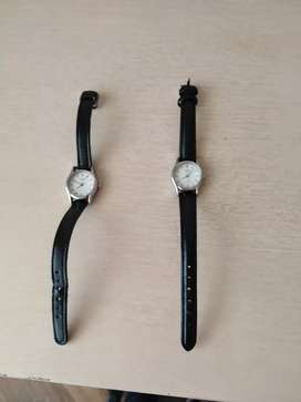 Vendo 2 relojes casio  como nuevos  a 25 US