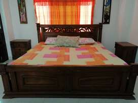 Cama king, perfecto estado,color cafe