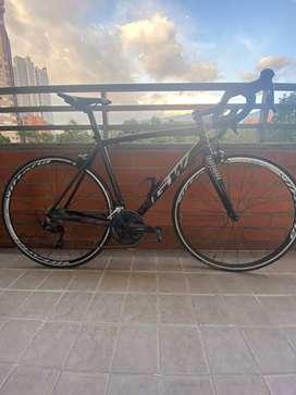 Bicicleta  GW Lumen - Grupo 105