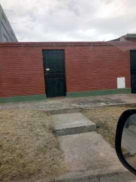 Vendo casa con local comercial sobre Av jujuy al 4400