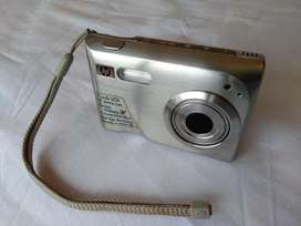 Cámara Digital HP Photosmart R967 10MP Zoom Opt 3x y Dig 10x