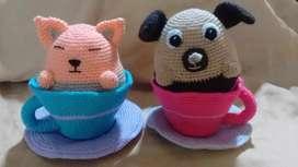 Taza con perro y gato al crochet amigurumi