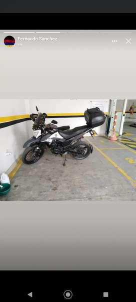 Vendo Moto AKT 180TTR