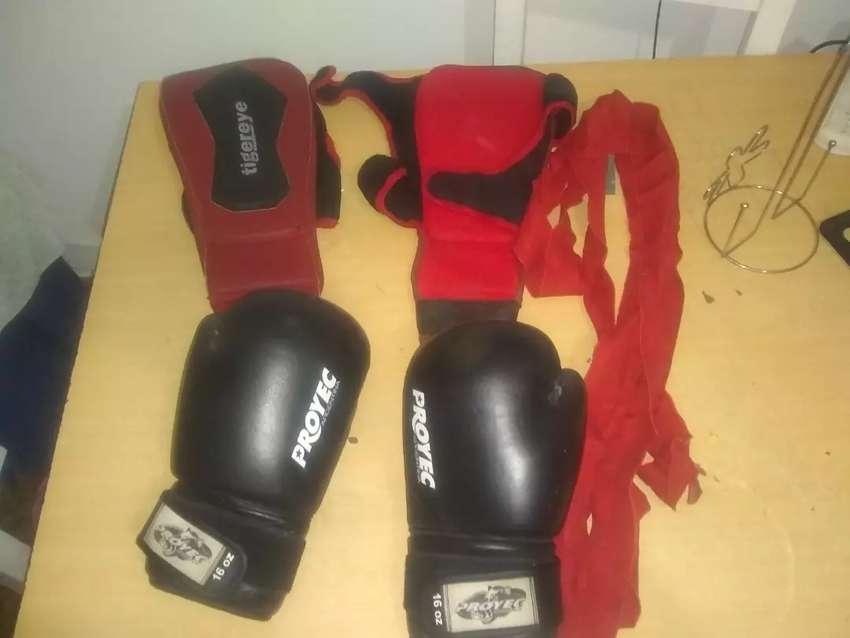 Vendo guantes tibiales y vendas 0