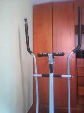 Maquina de gimnasio para entrenar