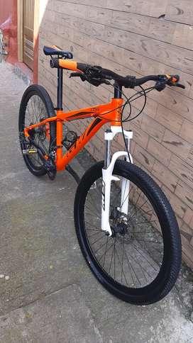 Se vende bici de 8 velocidades  frenos Hidraulicos  Shimano  27.5