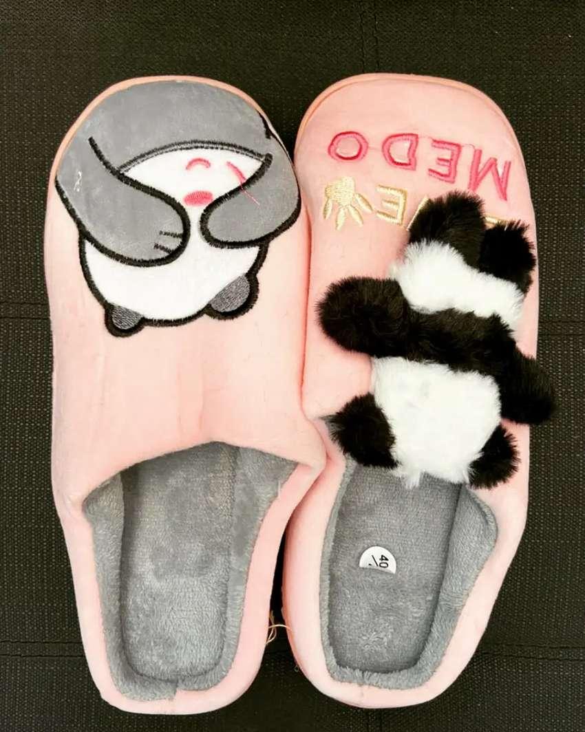 Hermosas pantuflas de dama