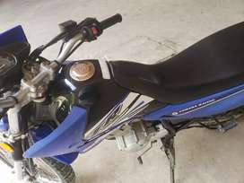 En venta moto Yamaha 125 versión TTR
