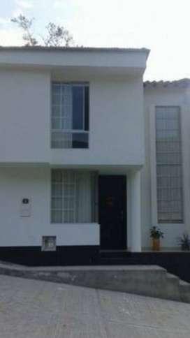 vendo casa en conjunto cerrado en San Gil