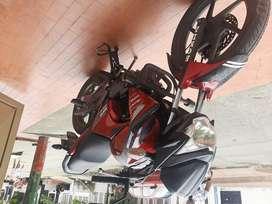 Moto Invicta Roja