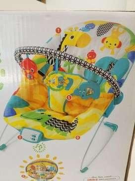 Silla Mecedora Vibradora Musical UNISEX DE EXHIBICION  BRIGHT STARTS