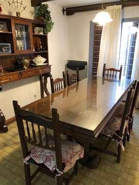 Juego de mesa y 8 sillas