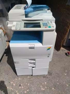 Fotocopiadora ricoh mpc2551
