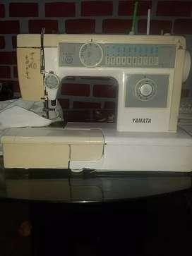 Vendo máquina de coser yamata