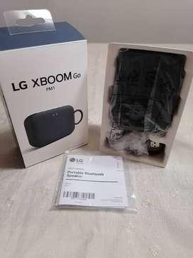 La comodidad de escuchar música, podcast, audios y más, está a un clic, tenenos en venta este parlante LG - Bluetooth