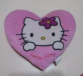 Almohada Kitty forma corazón
