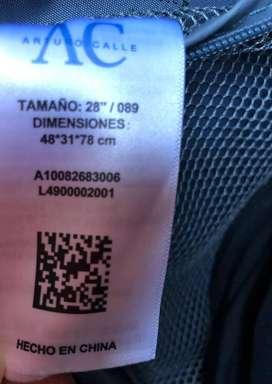Se vende maleta de viaje marca Arturo Calle usada
