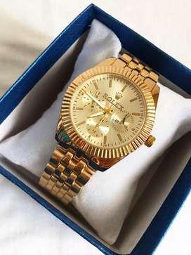 Rolex y geneva en reloj