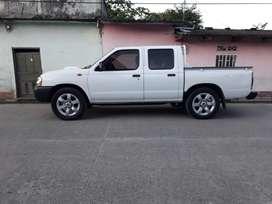 Vendo camioneta Nissan doble cabina