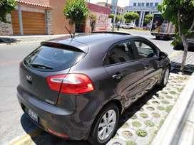 Vendo Auto Kia Río Full Hatchback
