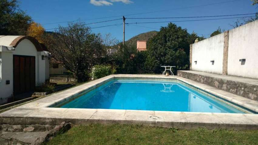 ag20 - Casa para 5 a 10 personas con pileta y cochera en Villa Carlos Paz 0
