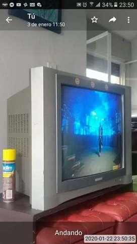 Tv y DVD x 2000$