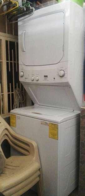 Lavadora-Secadora de torre Mabe 17 kls MCL1740GSBB