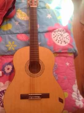 Guitarra en buen estado poco uso