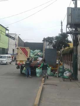 Eliminación de Desmonte / escombros Malezas / Muebles en Desuso
