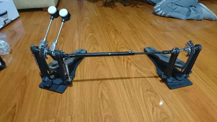 Vendo doble pedal marca Mapex serie P600TW 0