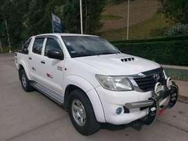 Vendo camioneta Toyoya Hilux 4x4