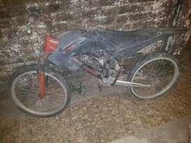 Vendo bicicleta rodado 20 así como esta no. Llevo acercó si no es muy lejos
