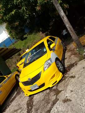 Vendo defensa modificada de yaris avance 100 y me dejas tu defensa