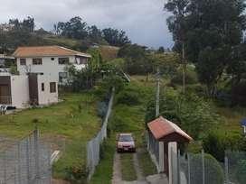 venta de sitios y lotes de terrenos grandes y bien ubicados en chaullabamba cerca de la iglesia y de la fybeca con obras