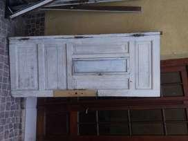 puerta de frente maciza, derecha, marco a reparar,  sin cerradura 2,10 x 0,9