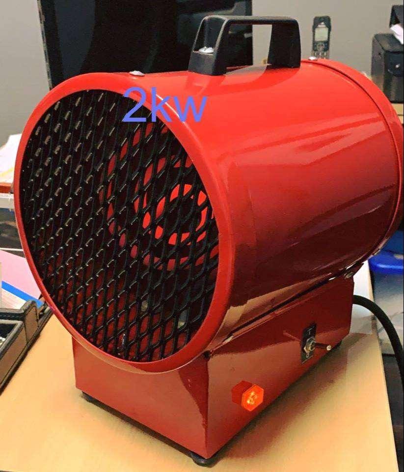 Caloventor Eléctrico Industrial de 2 kw 220 volts 0