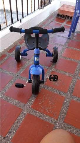 Triciclo de acero
