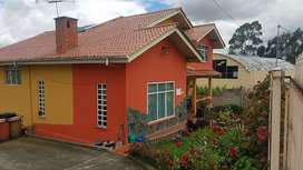 Propiedad en venta con 1 casa amplia de 350 m (C) y  amplia area verde 994m(T) en el carmen de sinincay miraflores