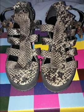 Sandalias Reptil