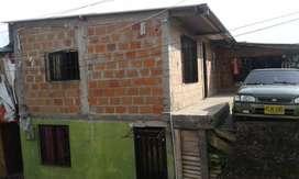 Casa de 2 pisos en venta por motivo de viaje