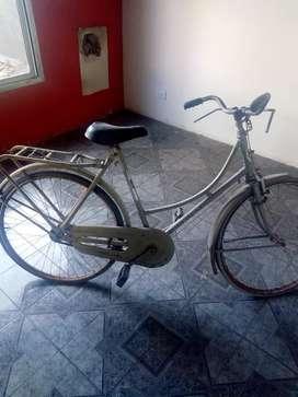 Bicicleta inglesa acepto ofertas ya que necesito la plata