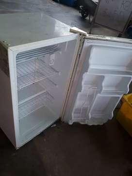 Vendo  mini refrigeradora