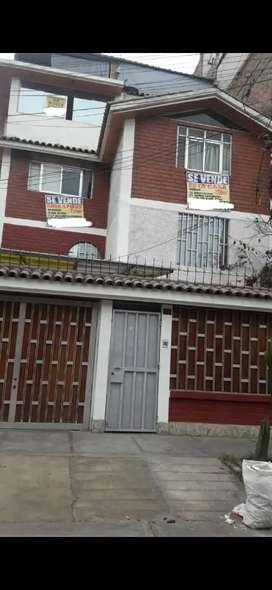 Vendo casa en ate vitarte Salamanca 220 mts 2 precio es en DOLARES NO EN SOLES