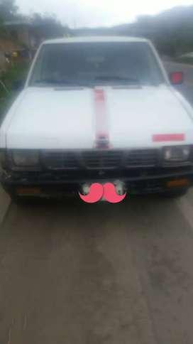 Vendo camioneta nissan del 1995 todo en regla