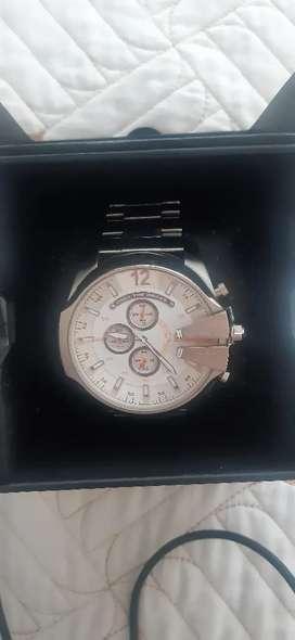 Reloj diésel original plateado garantizado