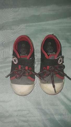 Zapatos para Niño Talla 22 Y 25
